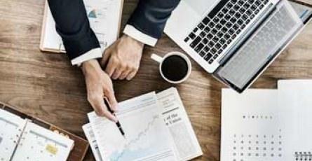 Devenir contrôleur de gestion avec le Bachelor Finance