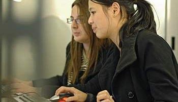 Travailler dans un cabinet d'expertise comptable avec le DCG