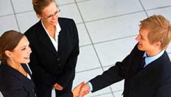 Être conseiller clientèle : compétences, missions et évolution