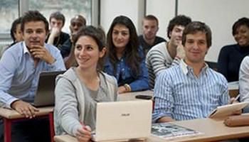 Quel est le profil des étudiants qui décident de suivre la formation au DCG ?