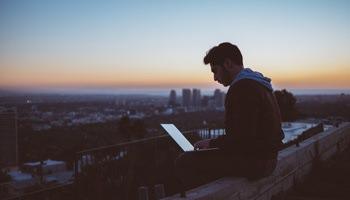 Quel est le programme académique du Bachelor ESG Finance ?